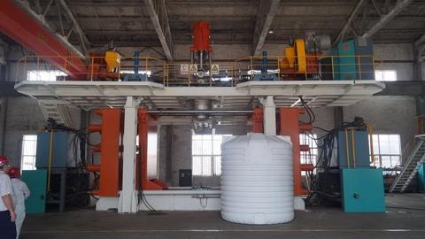 Taiwan Plastic Blow Molding Machine, IBC- Water tank machinery