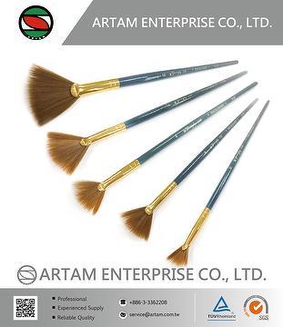 Nylon Fan Brush