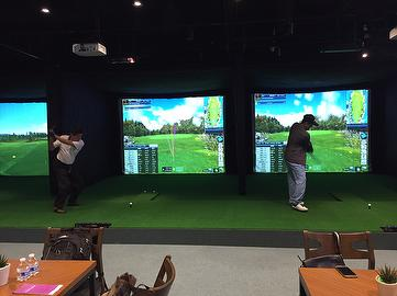 GOLF SIMULATOR with decoration