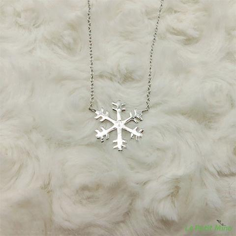 Silver Necklace Snowflake Pendant Platinum-Clad