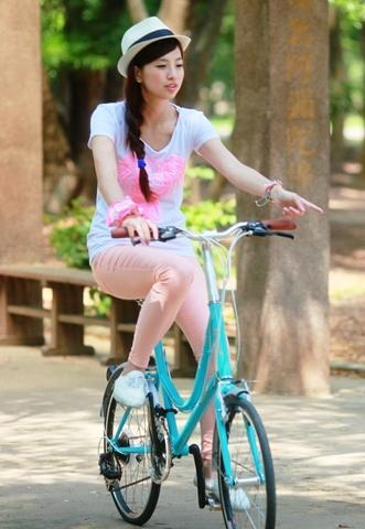 LADY SMILE - 20 inch 21 spd ocean blue low step mini velo