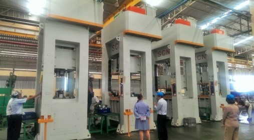 Tandem Line With Hydraulic Deep Drawing Press
