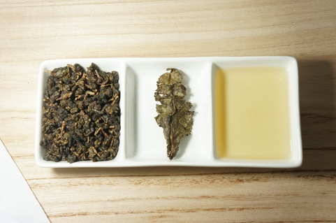 Dong Ding (Tung Ting) Oolong Tea liquid