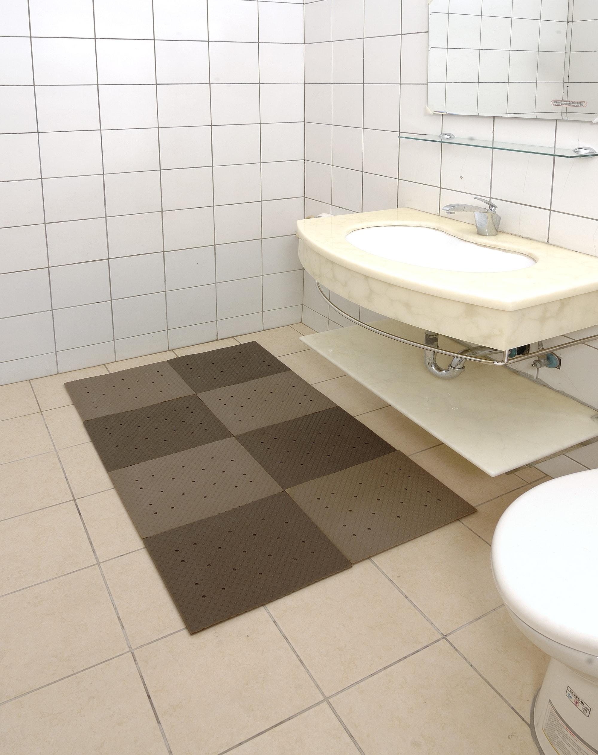 Taiwan Rubber Bath Mat | SAM BO RUBBER CO., LTD. | Taiwantrade.com