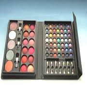MAKE UP KIT COLLECTION