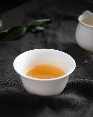 Loose Oolong Tea in Usage Scenario