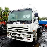ISUZU USED TRUCK TRACTOR HEAD COMPLETELY