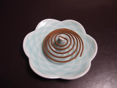 Camellia Patterned Incense Tray from Xiang Yi Yao