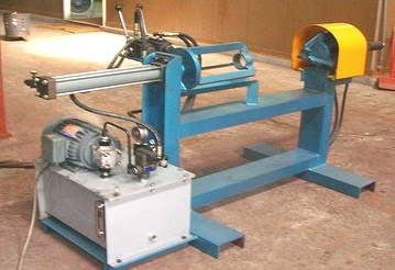 Pineapple leaf stripping machine