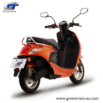 GreenTrans EM80 sporty look e-scooter rear view