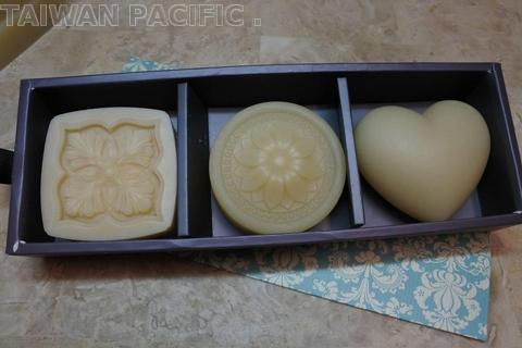Handmade Soap Gift Box (For Face & Body) (3 PCS)