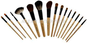 Make-up Wood Brush Set-1