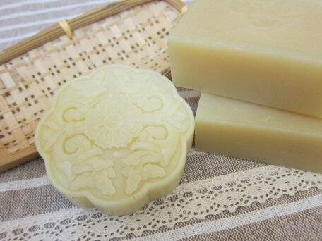 olive oil moisturizing handmade soap-Marseille