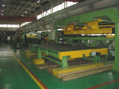 Flying shear type cut-to-length line at customer's site