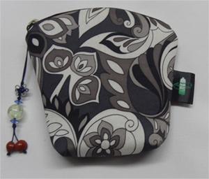women's zippered wallets
