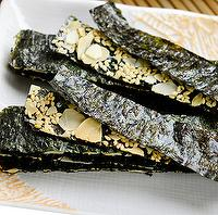 Nori cracker with Almond Filling