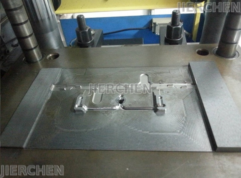 Mold and Molding Injection